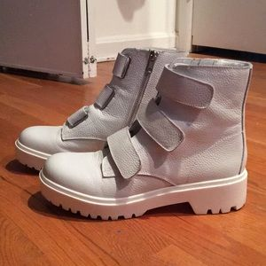 3841b9b12d3 White Leather Wayne Boots
